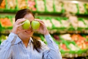 edita kaye woman with two apples